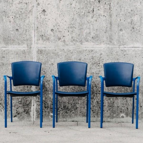 Enea Eina Stuhl mit Vierfußgestell